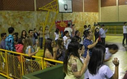 Em Catalão: Mais de 100 jovens loucos por Cristo!
