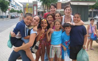 Jóvenes con los más necesitados (Sevilla)